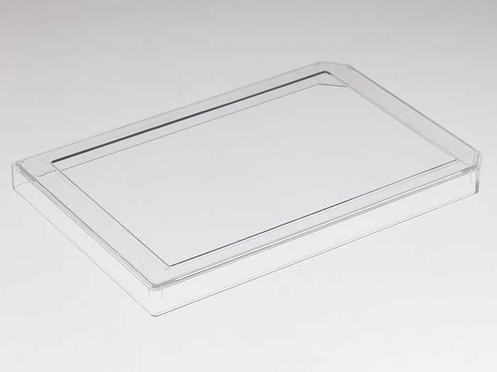Multi-well plate cover with #1 (0.13-0.16mm) cover glass for DIC (Differential interference contrast) imaging large picture